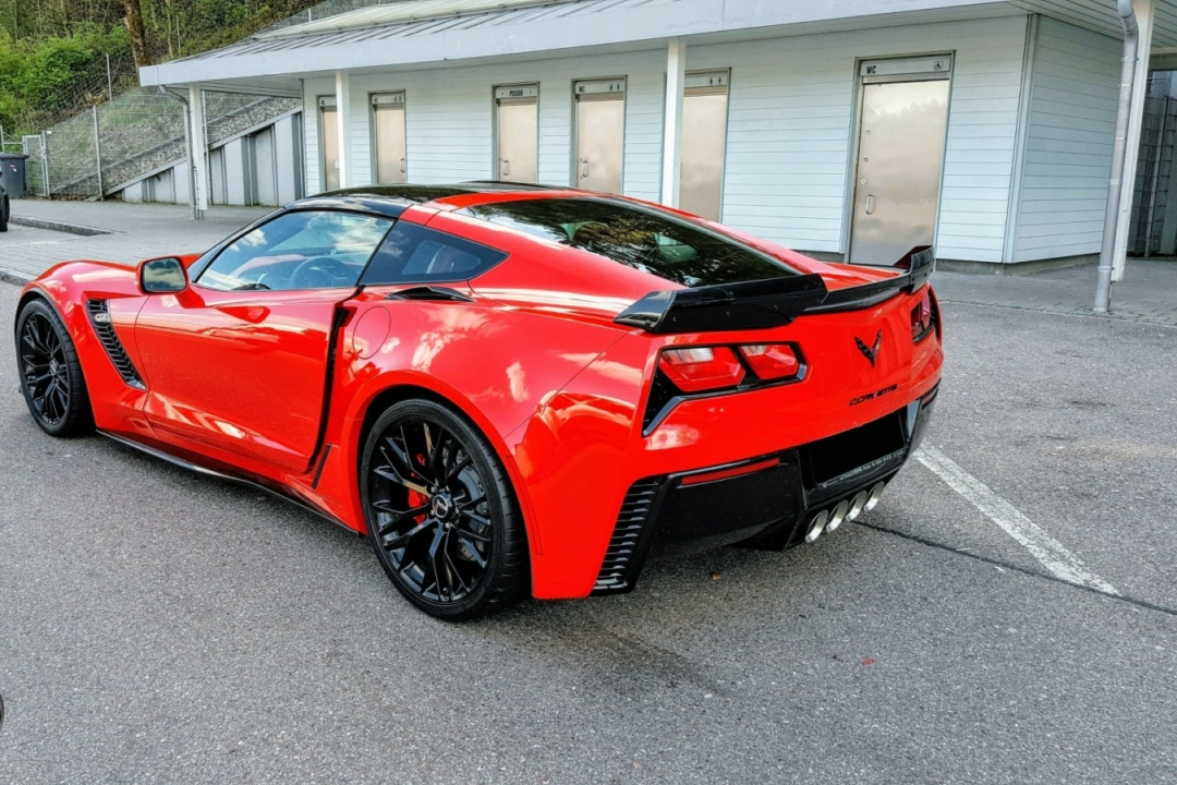Corvette C7 Stingray Z06, DovezuAuto.cz